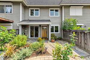 More Details about MLS # 19011725 : 3080 WOODS CIRCLE