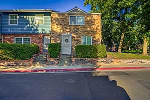 More Details about MLS # 221073903 : 4000 KNOLL TOP COURT