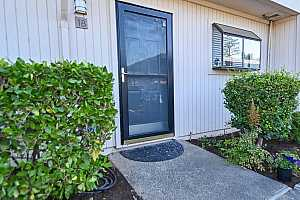 More Details about MLS # 221114185 : 1113 BELL STREET #18
