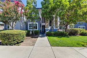 Browse active condo listings in ROSEVILLE