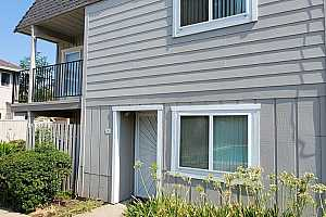 Browse active condo listings in PARKVIEW TOWNHOUSE